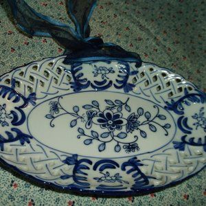 vintage blue and white hanging plate